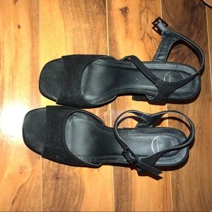 Missguided chunky platform heel black